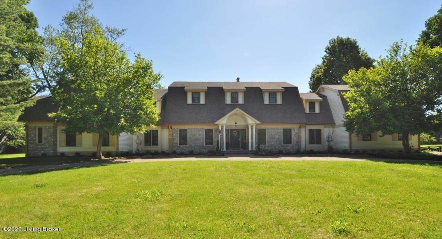 Single Family Homes for Sale at 2704 Little Hills Lane Louisville, Kentucky 40223 United States