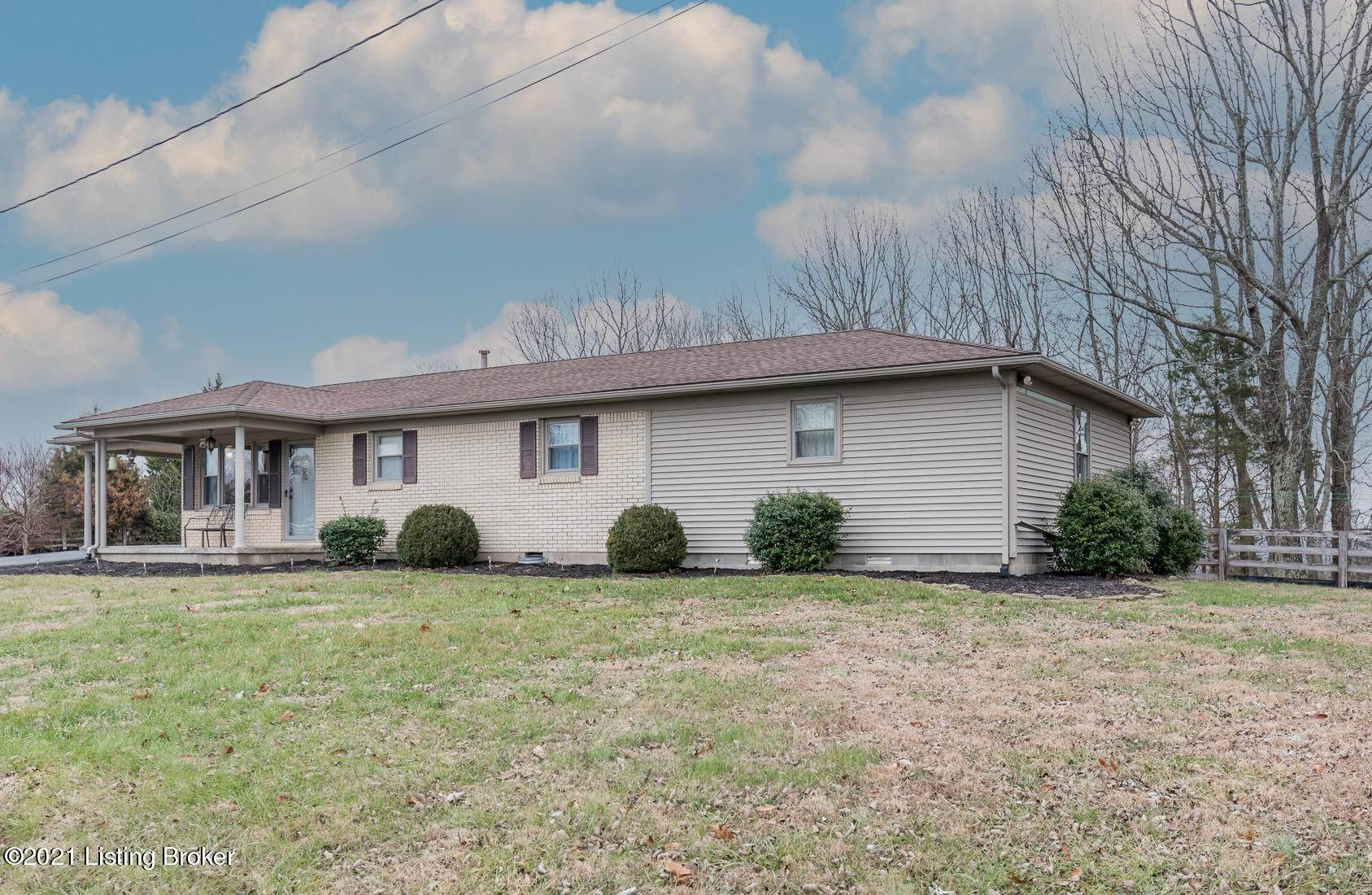 Single Family Homes for Sale at 210 Cherry Springs Circle Cub Run, Kentucky 42729 United States