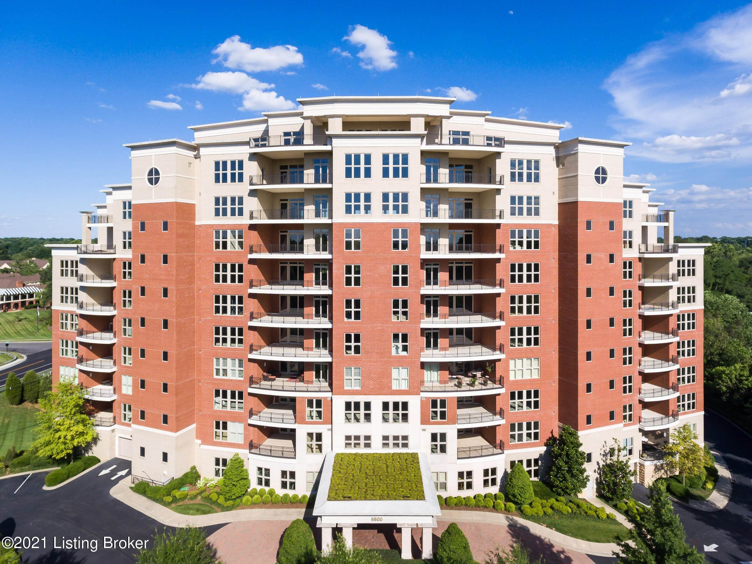 Condominiums for Sale at 6600 Seminary Woods Place Louisville, Kentucky 40241 United States