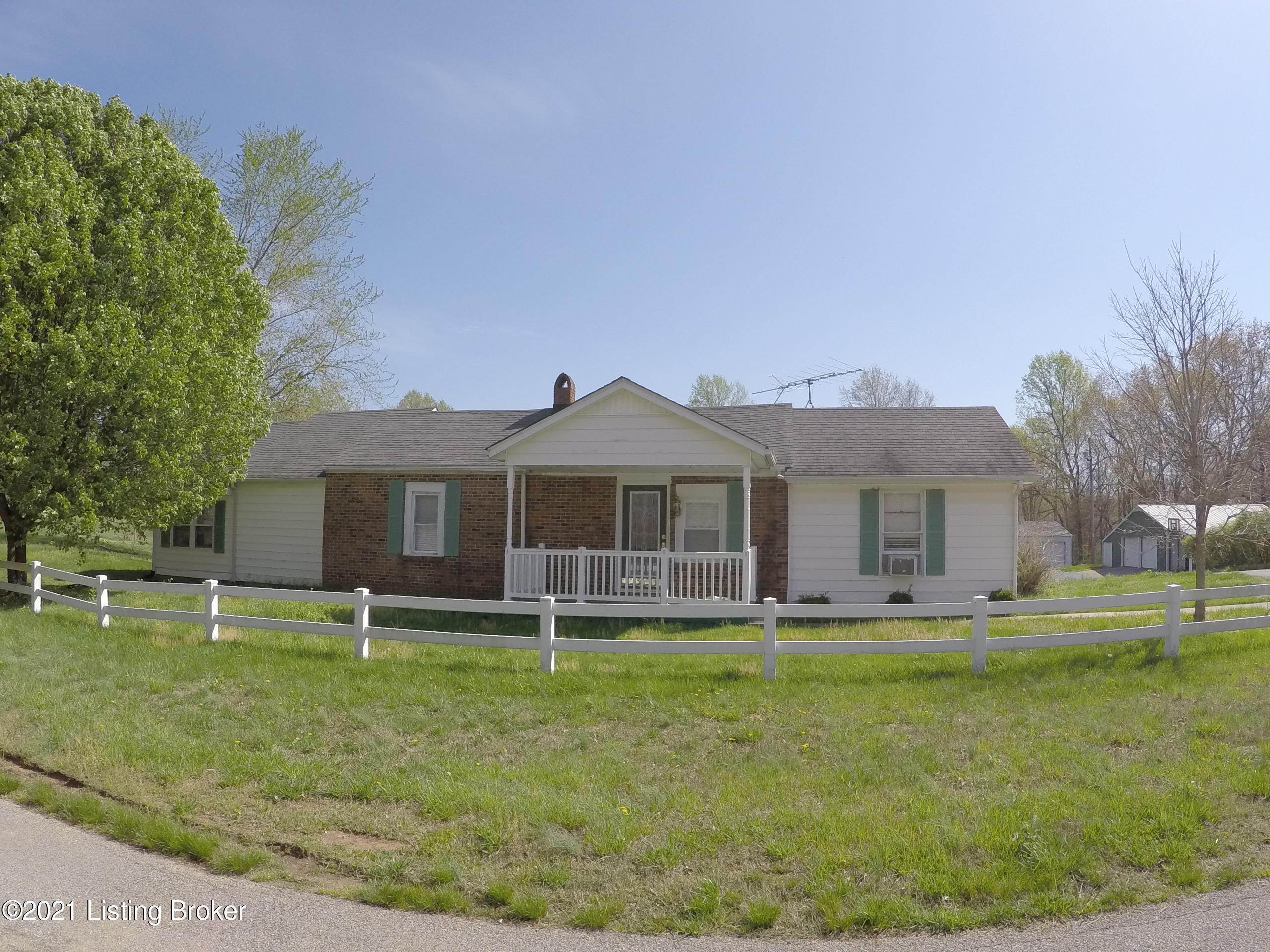 Single Family Homes for Sale at 1047 Phelps Johnson Road Leitchfield, Kentucky 42754 United States