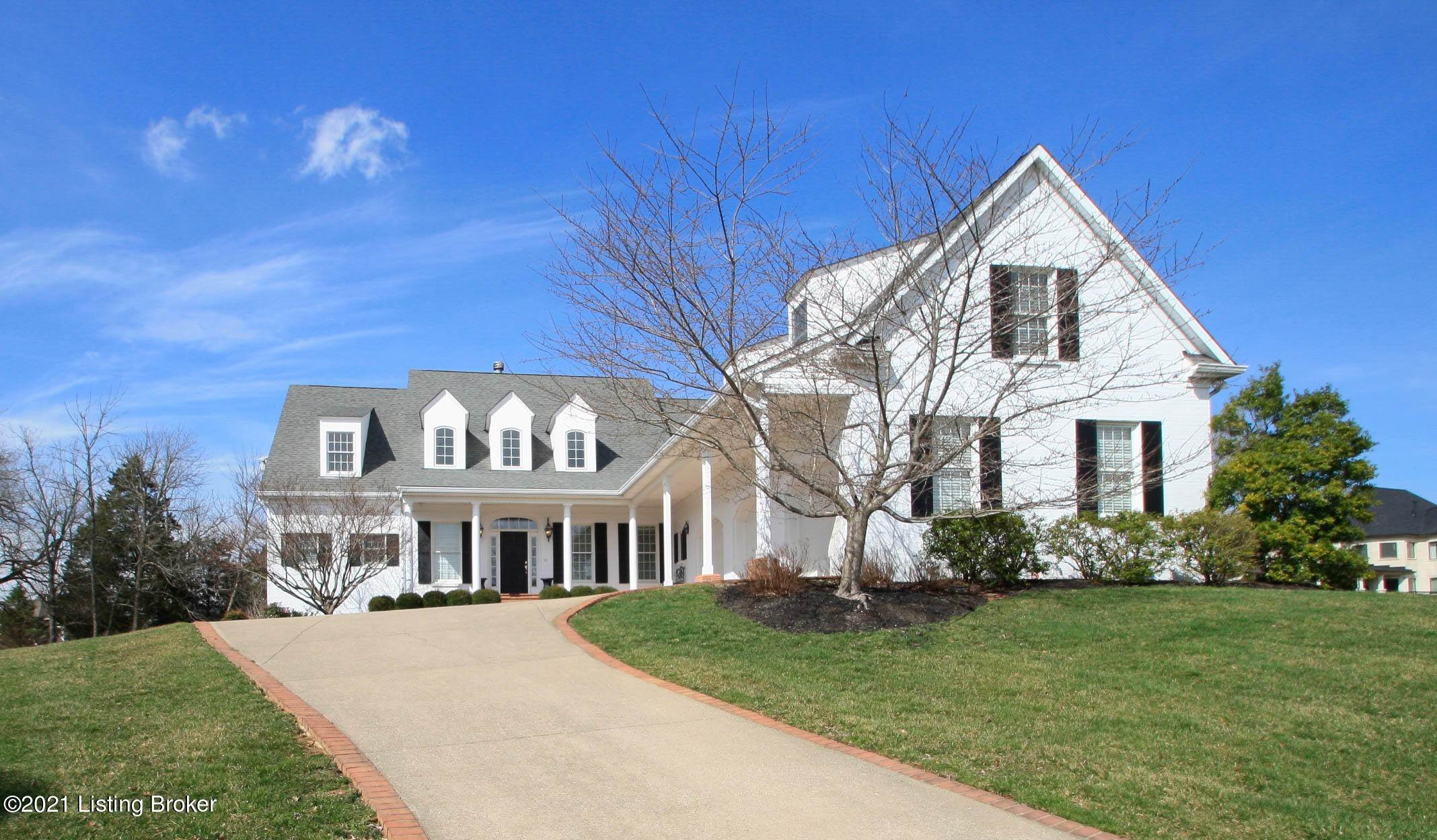 Single Family Homes for Sale at 2003 Fandango Court Louisville, Kentucky 40245 United States