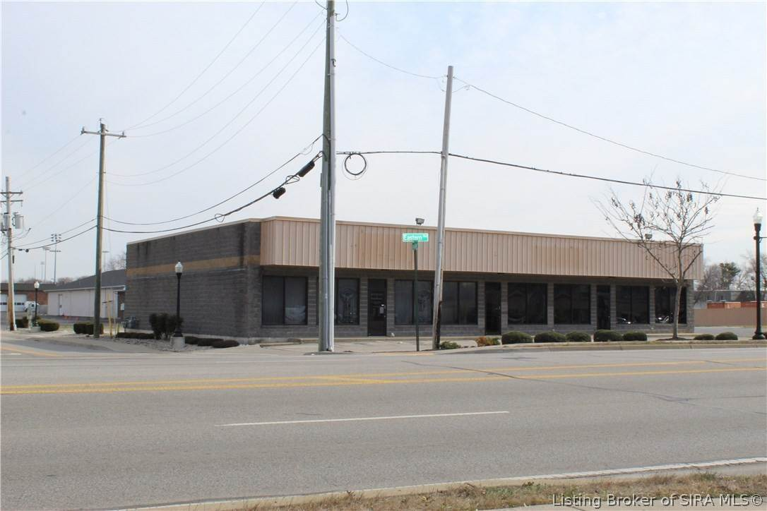 Commercial at 634 Eastern Boulevard Jeffersonville, Indiana 47129 United States