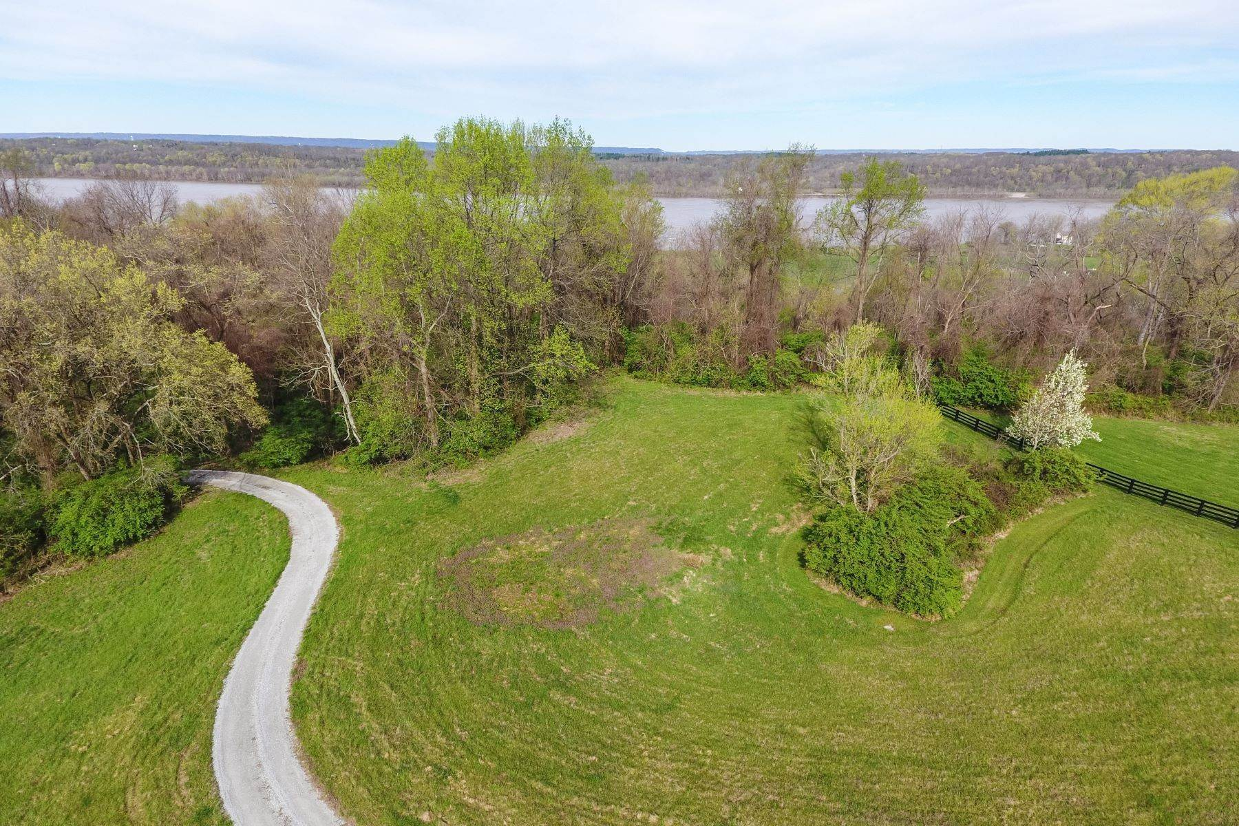 Land for Sale at Tract 2 Rivercrest Drive Prospect, Kentucky 40059 United States