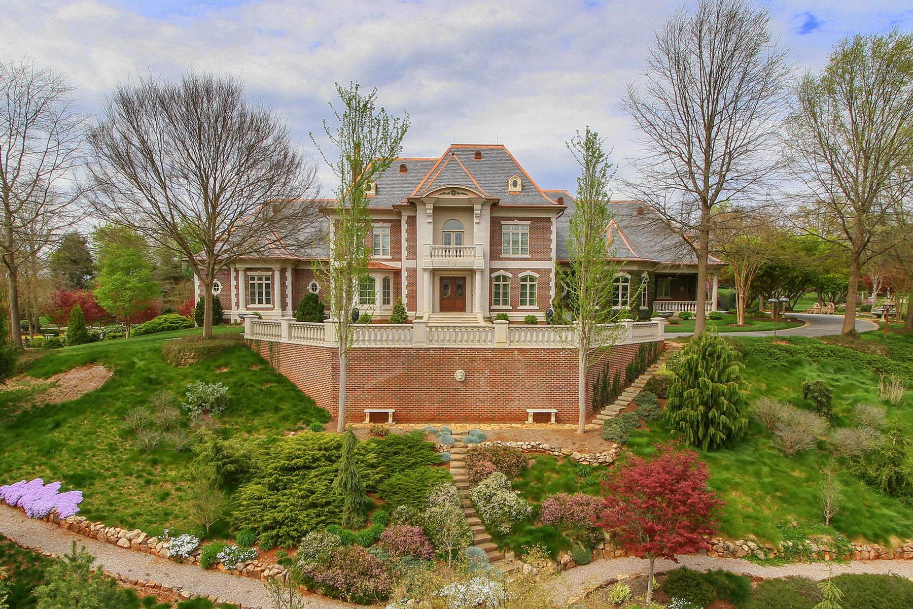 Single Family Homes for Sale at Majestic Estate On 10 Private Acres 1909 Rudder Lane Knoxville, Tennessee 37919 United States